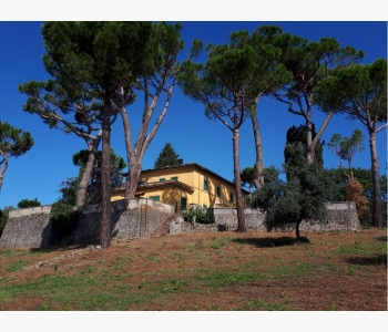 Villa padronale panoramica con ampio parco