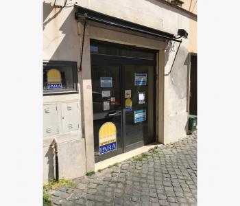 Ampio locale commerciale - Albano Laziale Centro